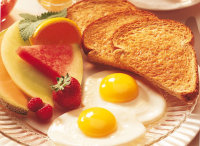 Desayunar alimentos ricos en proteínas y perder peso